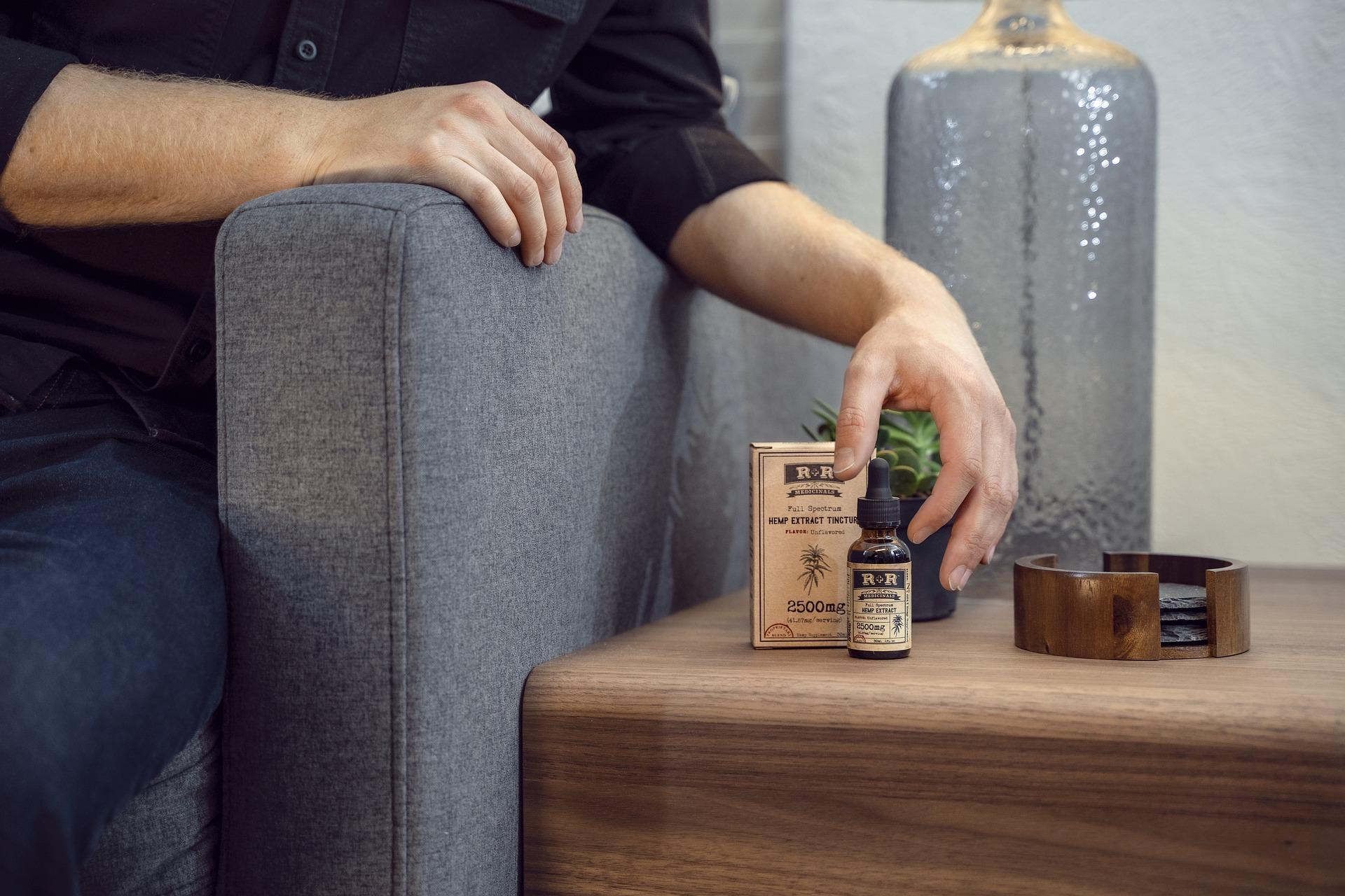 Read more about the article Quand consommer de l'huile de CBD ? : à quel moment pour une efficacité optimale ?